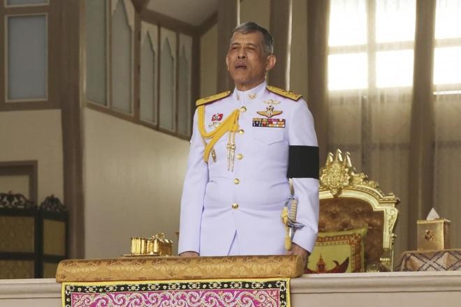 Vua Thai thu hoi huy chuong hoang gia cua cuu thu tuong Thaksin hinh anh 1