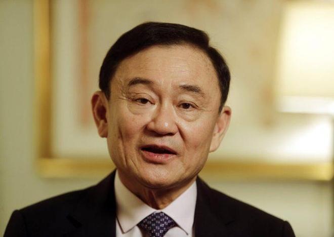 Vua Thai Lan tuoc cap bac ban quan su cua cuu thu tuong Thaksin hinh anh 1