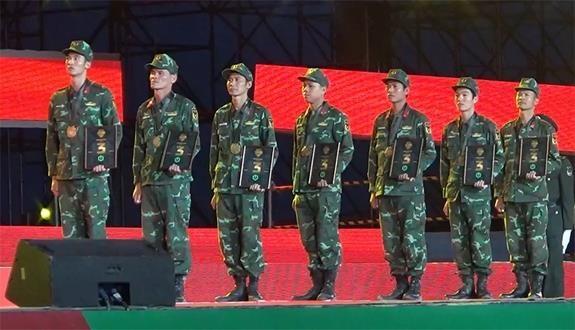 Tuong Trung Quoc bat ngo voi trinh do cua bo doi Hoa hoc Viet Nam hinh anh 1