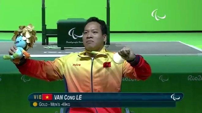 Thu tuong gui thu khen VDV Le Van Cong hinh anh 1