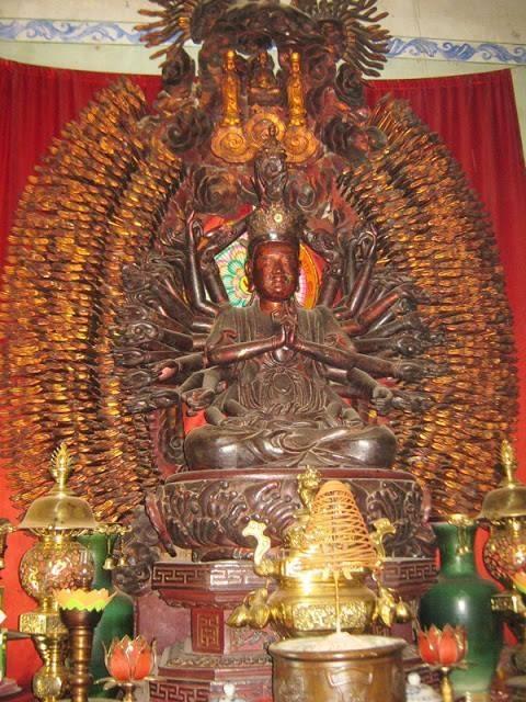 Tuong Phat nghin tay nghin mat noi tieng bi trom hinh anh 1