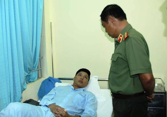 Thuong tuong Pham Dung lam viec voi Cong an Dak Lak ve vu no hinh anh 1