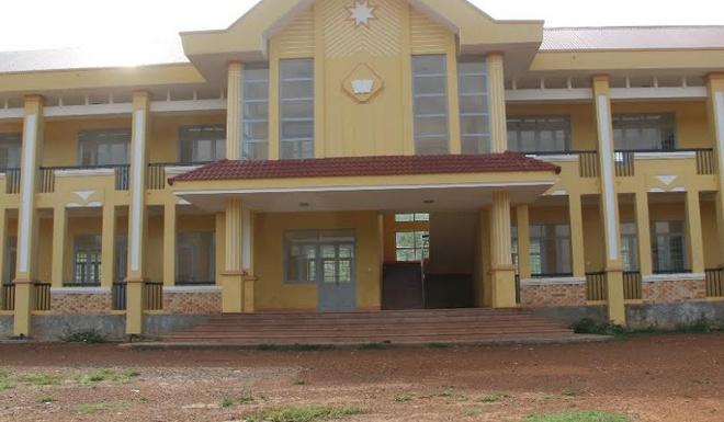 Xây trường học gần 4 tỷ đồng rồi bỏ hoang