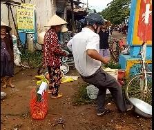 Vu truong cong an xa da vang thau ca: Nguoi dan khong nhan den bu hinh anh