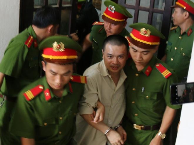 Dang Van Hien gui don xin an xa len Chu tich nuoc hinh anh