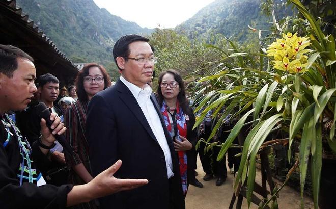 Pho thu tuong tham ban du lich cua nguoi Mong hinh anh