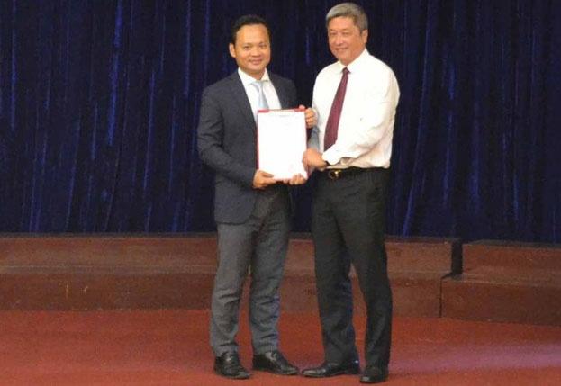 Con trai Bộ trưởng Y tế làm Phó viện trưởng Viện Pasteur TP.HCM
