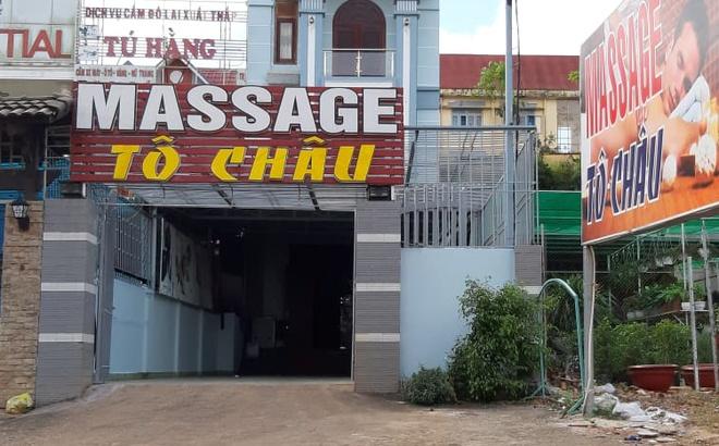 Nhan vien massage To Chau ban dam gia 500.000 dong hinh anh 1