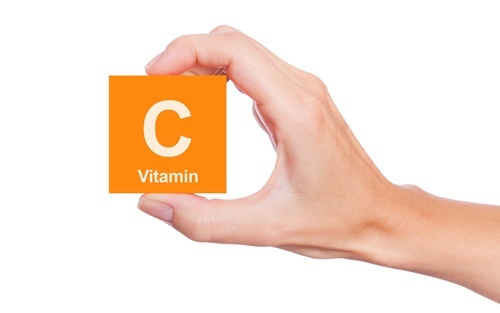 Tu vong vi tiem vitamin C hinh anh