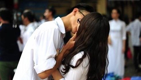 Giới trẻ quan hệ tình dục sớm