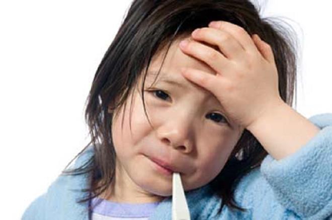 Những lưu ý quan trọng để trẻ không tử vong vì sốt