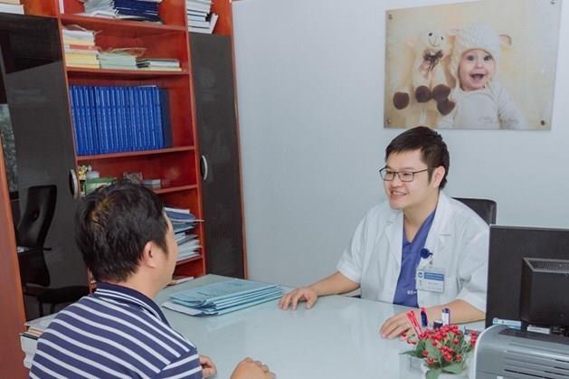 Bắt tinh trùng giúp vợ chồng khuyết tật có con sau 10 năm hiếm muộn