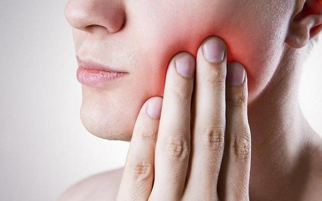 Thấy những dấu hiệu sau ở miệng, bạn phải tới bác sĩ ngay