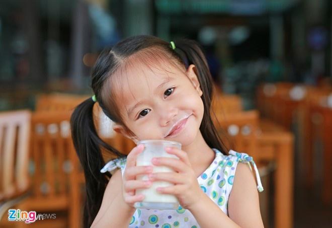 Bộ Y tế yêu cầu sữa học đường phải có đủ 21 vi chất