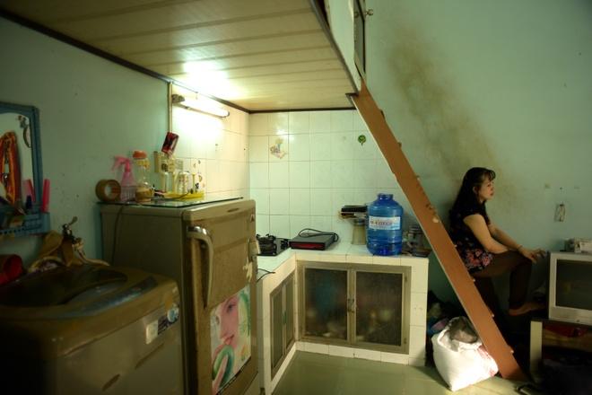 Cuoc song don so cua than dong 13 tuoi hinh anh 6 Mẹ Hảo một mình đưa con lên TP HCM học trong khi ba Hảo vẫn công tác tại huyện Chợ Gạo, tỉnh Tiền Giang.