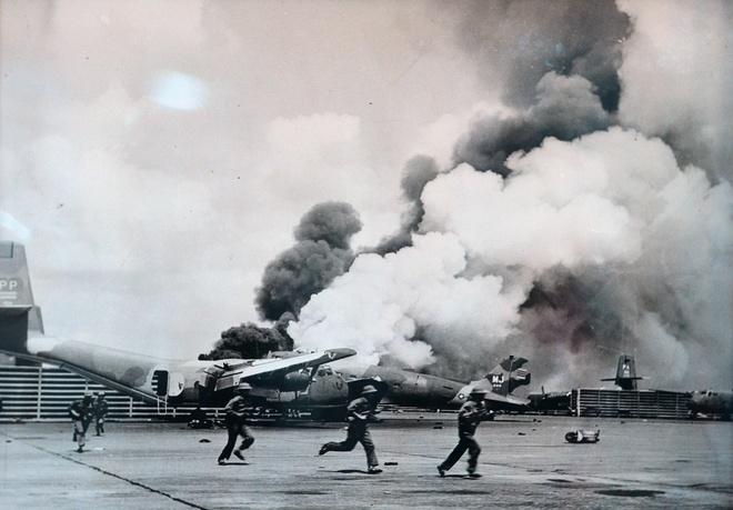Khoanh khac lich su trong ngay giai phong Sai Gon 1975 hinh anh 6