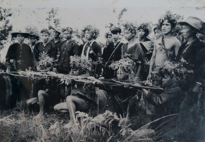 Khoanh khac lich su trong ngay giai phong Sai Gon 1975 hinh anh 9