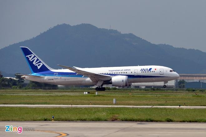 Can canh sieu may bay Boeing 787 lan dau den Ha Noi hinh anh 1