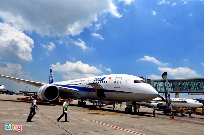 Can canh sieu may bay Boeing 787 lan dau den Ha Noi hinh anh 2