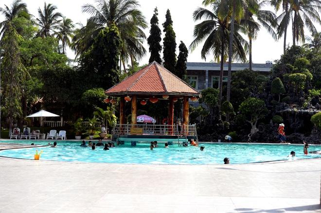 'Thuy trieu do' tan cong cac resort ven bien Mui Ne hinh anh 13