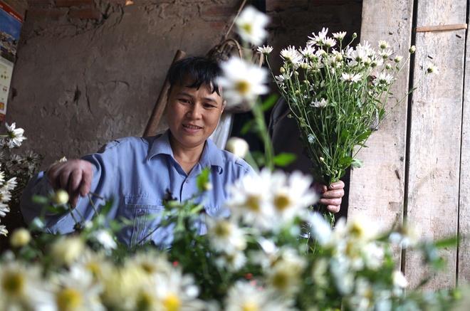 Cuc hoa mi be li ti xuong pho Ha thanh hinh anh 5
