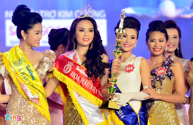 Khoanh khac dang quang Hoa hau VN cua Ky Duyen hinh anh 16