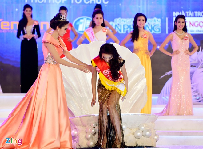 Khoanh khac dang quang Hoa hau VN cua Ky Duyen hinh anh 10