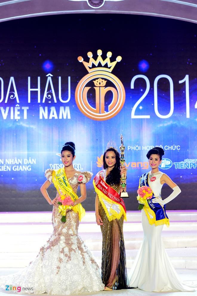 Khoanh khac dang quang Hoa hau VN cua Ky Duyen hinh anh 18