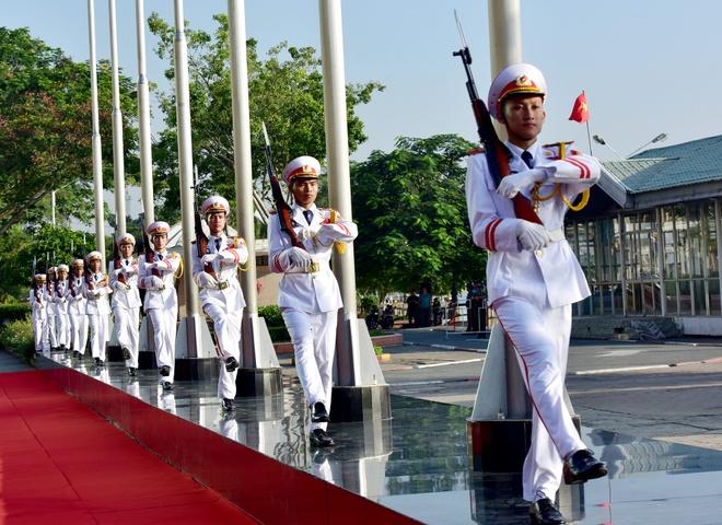 Video thuong co ASEAN trang trong tai Sai Gon hinh anh