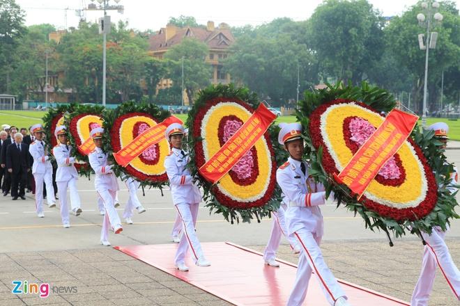 Lanh dao Dang, Nha nuoc vieng lang Chu tich Ho Chi Minh hinh anh 3