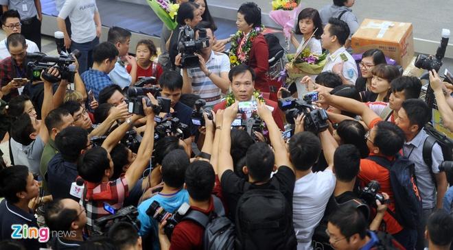 Xuan Vinh: 'Hang trieu CDV VN giup toi tao nen lich su' hinh anh 17