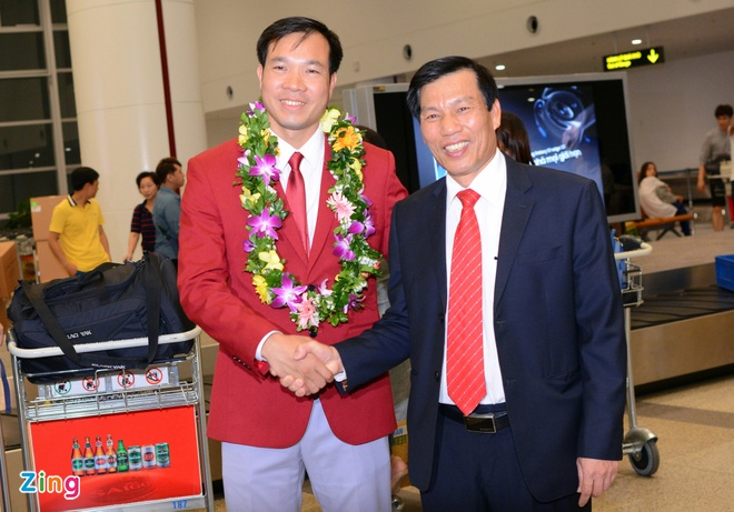 Xuan Vinh: 'Hang trieu CDV VN giup toi tao nen lich su' hinh anh 7