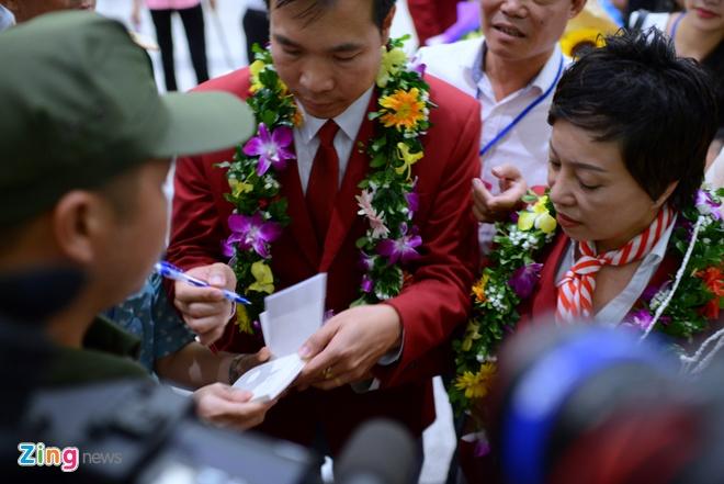 Xuan Vinh: 'Hang trieu CDV VN giup toi tao nen lich su' hinh anh 16