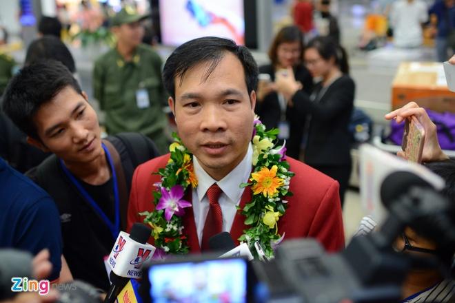 Xuan Vinh: 'Hang trieu CDV VN giup toi tao nen lich su' hinh anh 8