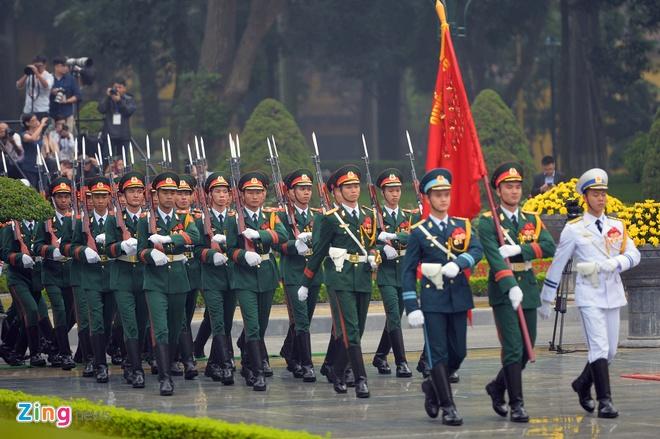 Tong thong Trump roi Ha Noi, ket thuc chuyen tham Viet Nam hinh anh 12