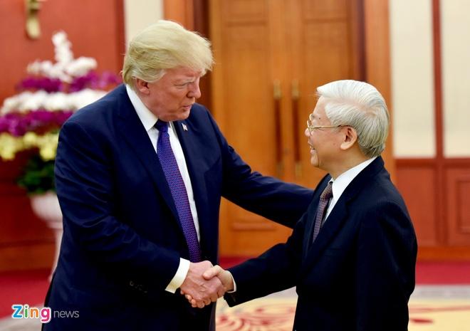 Tong thong Trump roi Ha Noi, ket thuc chuyen tham Viet Nam hinh anh 46