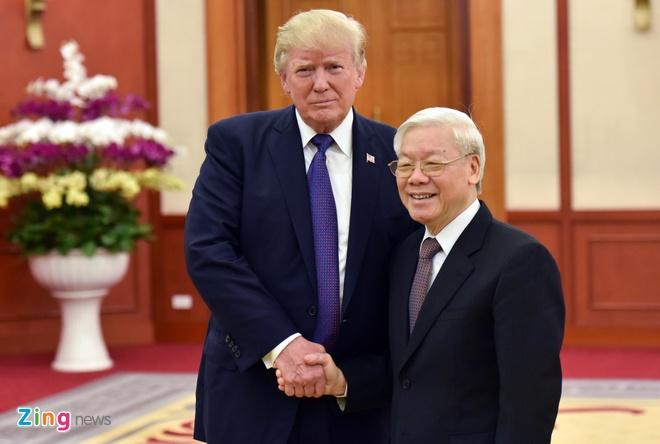 Tong thong Trump roi Ha Noi, ket thuc chuyen tham Viet Nam hinh anh 47