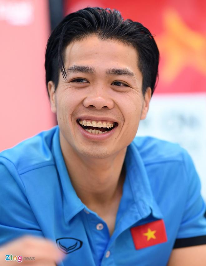 Tien Dung, Cong Phuong: 'Niem tin chua bao gio tat voi U23 Viet Nam' hinh anh 12