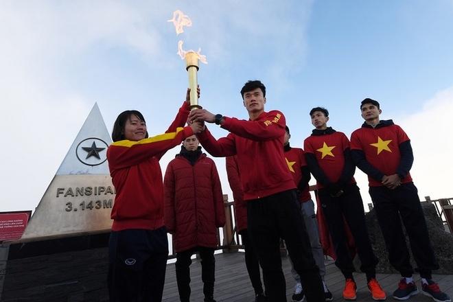 U23 Viet Nam: Xuc dong giay phut thuong co tren noc nha Dong Duong hinh anh