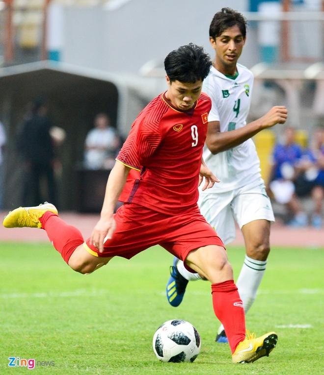 Olympic VN 3-0 Olympic Pakistan: Cong Phuong da hong 2 qua penalty hinh anh 31