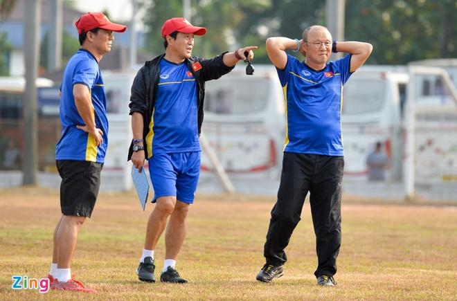 Olympic VN 3-0 Olympic Pakistan: Cong Phuong da hong 2 qua penalty hinh anh 6