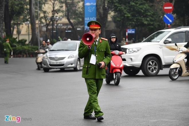 Doan xe ong Kim Jong Un ve toi khach san Melia hinh anh 15