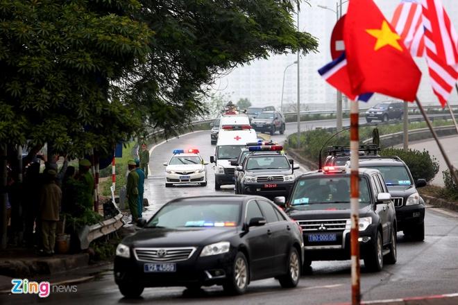 Doan xe ong Kim Jong Un ve toi khach san Melia hinh anh 19