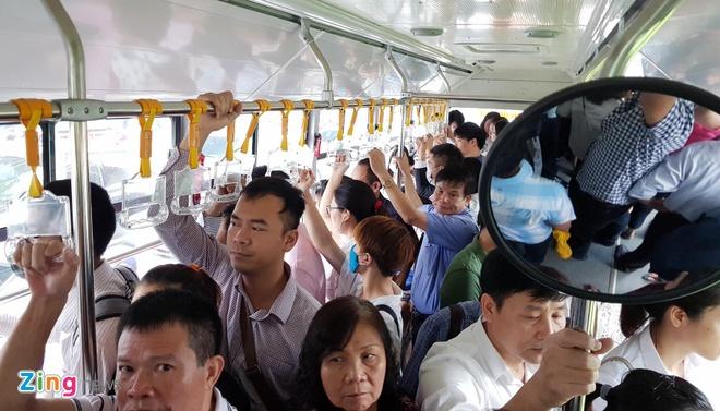 Ha Noi tang tan suat buyt nhanh BRT trong gio cao diem hinh anh 1