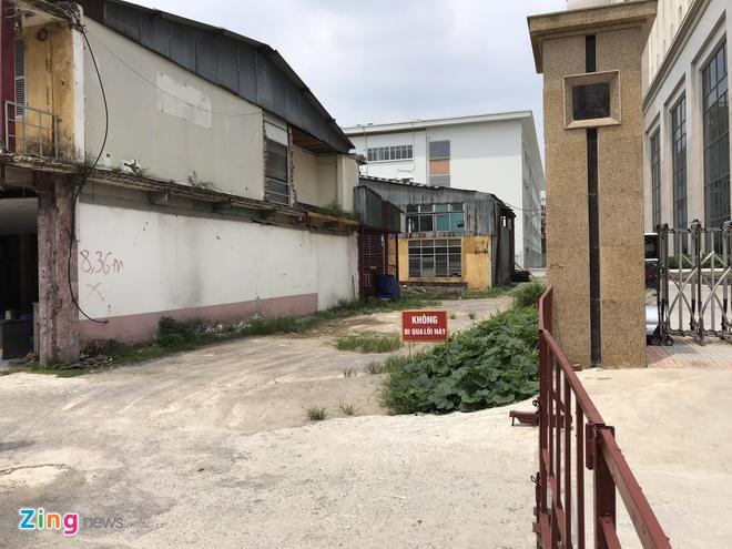 Sẽ cưỡng chế công ty cơ khí chặn lối vào trường cấp 2 ở Hà Nội