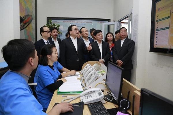 Mot du hoc sinh tro ve tu Vu Han phai nhap vien tai Ha Noi hinh anh 1 Bi_thu_tham_TTCC_115a_1_.jpg