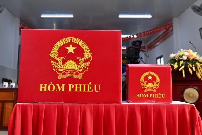 Xử lý nghiêm 2 cán bộ gian lận bầu cử ở xã Tráng Việt - Chính trị