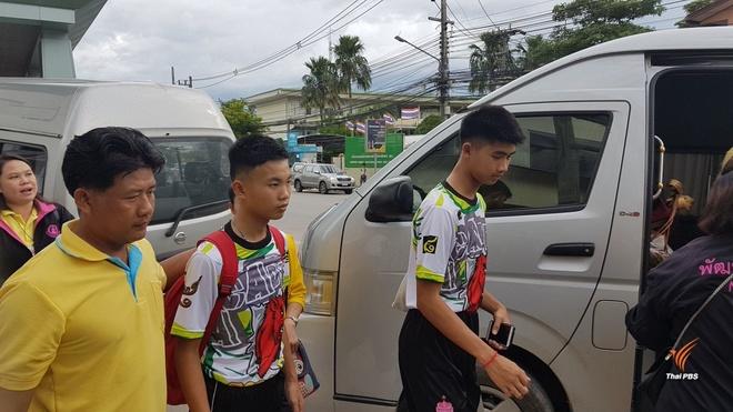 Doi bong Thai da co dao dat de thoat khoi hang Tham Luang hinh anh 10