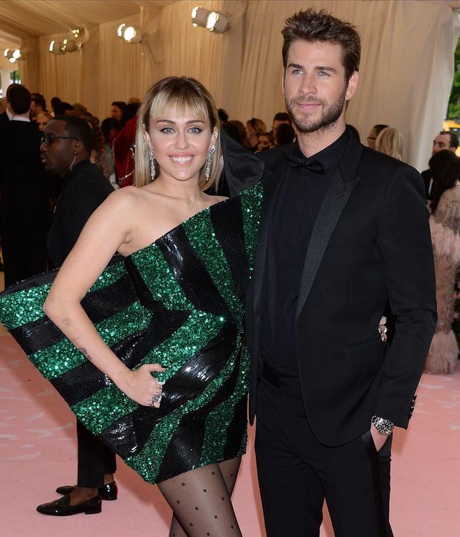 thoi trang cua Miley Cyrus va Liam Hemsworth anh 12