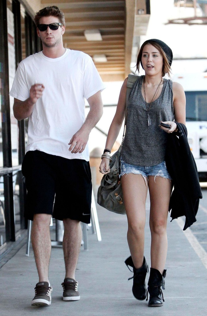 thoi trang cua Miley Cyrus va Liam Hemsworth anh 4
